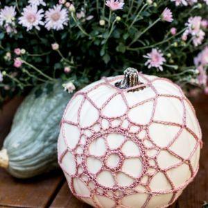 Pin Ups and Link Love: Crochet Pumpkin Cover DIY   knittedbliss.com