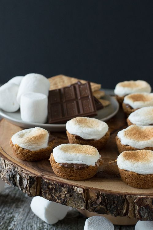 Pin Ups and Link Love: S'mores Cups | knittedbliss.com