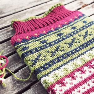 Modification Monday: MacBook Sweater | knittedbliss.com