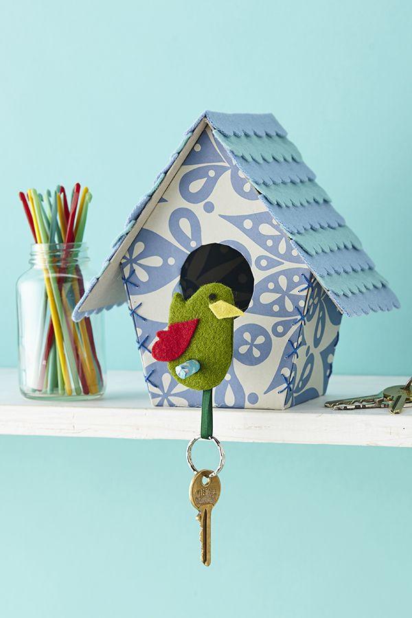 Pin Ups and Link Love: DIY Birdhouse Key holder | knittedbliss.com