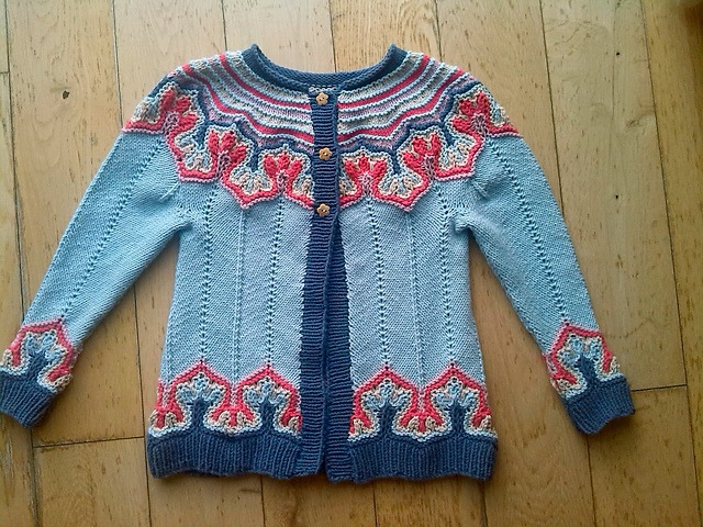 Modification Monday: Fox Paws Cardi   knittedbliss.com