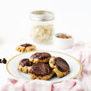Pin Ups and Link Love: Chocolate Peanut Butter Cookies | knittedbliss.com