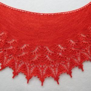 Modification Monday: Swallowtail Crescent | knittedbliss.com