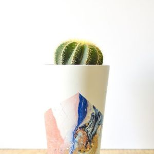 Pin Ups and Link Love: DIY Marbling Pots| knittedbliss.com