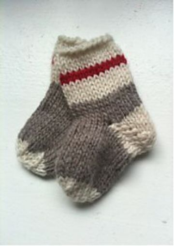 Pin Ups and Link Love: Baby Work Socks | knittedbliss.com
