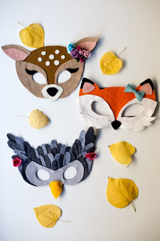 Modification Monday: No Sew Felt Masks | knittedbliss.com