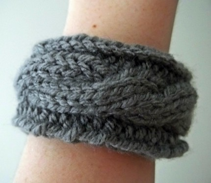 cable knit bracelet with an upcycled insert