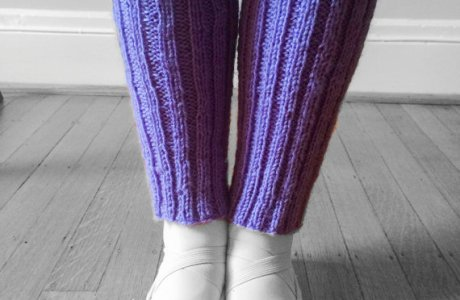 Eighth grader sells legwarmers, wins entrepreneurship contest