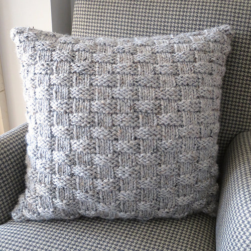 Knitted Basket Weave Pattern : Knit a Simple Basketweave Pillow to Cozy Up Your Home   Knitting