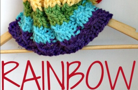 Add Some Warmth Quick with this Rainbow Colored Cowl