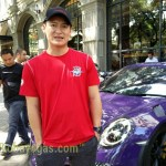 om william sang empunya porsche