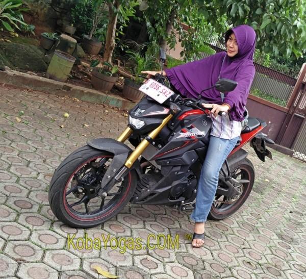 Yamaha Xabre dipakai hijaber