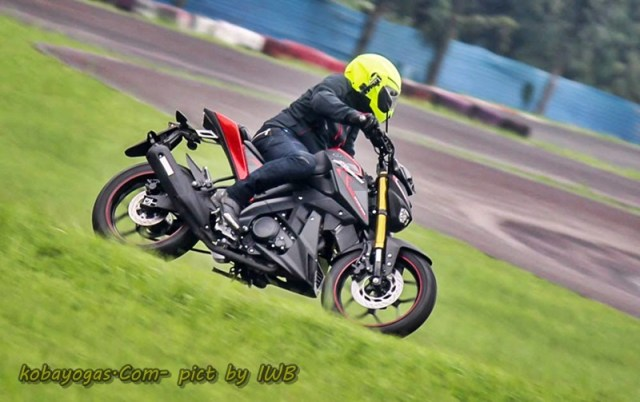 test ride xabre 8