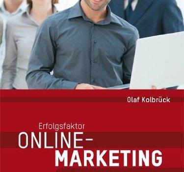 Zwischen zwei Krimis: Fachbuch Online-Marketing für den Mittelstand