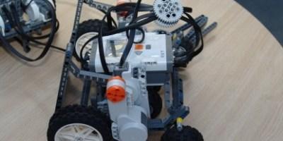 robot-675902_640