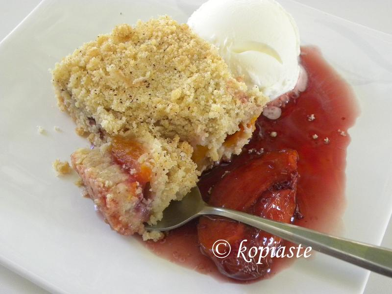 Peach and nectarine crumble 2