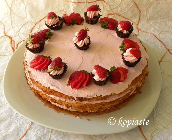 Chocolate Cupcake & Strawberry Mousse Cake