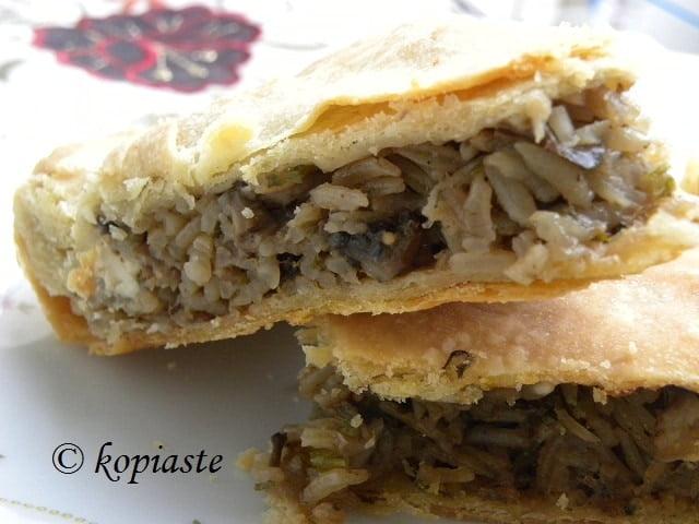 Manitaropita mushroom pie2
