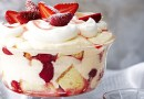 Resep Strawberry Triffle Cake