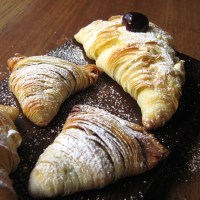 Daring Bakers: Sfogliatelle Ricci and Lobster Tail Pastries