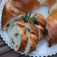 Olive, Rosemary & Parmesan Twist Bread