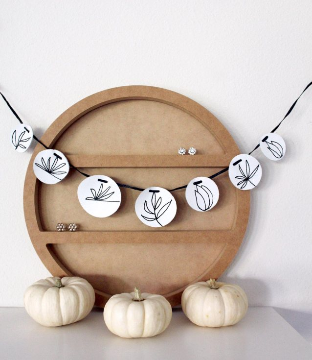 Make a leather garland in less than 10 minutes