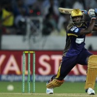 Russell, Doeschate Come to KKR's Rescue by Dominant Batting at Crunch Time