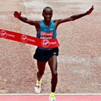 Kipchoge beats Kipsang in London marathon to gain revenge for Berlin defeat