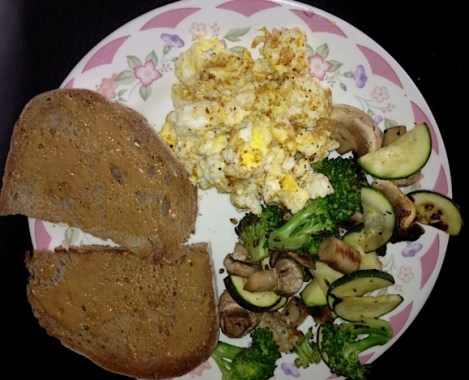 Peanut butter toast with eggs & veggies