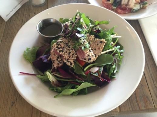 Mixed leaves salad with sesame-crusted ahi tuna