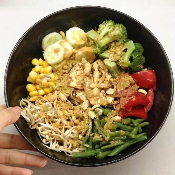 Buddha bowl (tofu:peanut sauce)