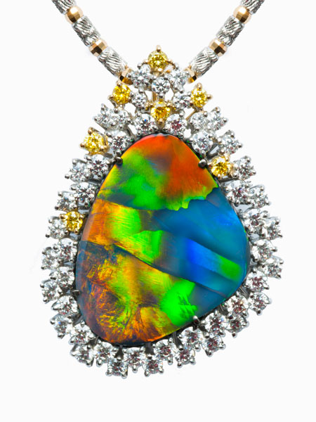 BLACK OPAL BROOCH / PENDANT TR0020 BLACK OPAL 9.560 ct YELLOW DIAMOND 0.242 ct DIAMOND 1.573 ct K18WG, YG