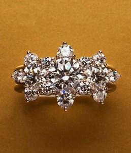 Diamond Ring AT092