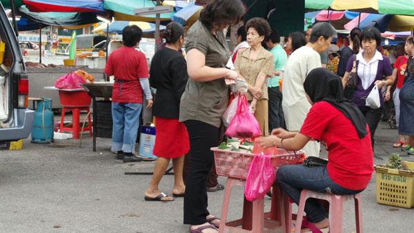 nasi lemak seller at SS2 wet market