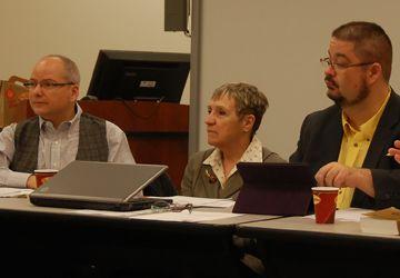 Le président de l'ACFO-Toronto Gilles Marchildon en compagnie de Sylvie Lavoie et d' Alexandre Brassard tous trois sur le CA de l'ACFO-Toronto.