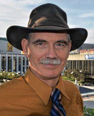 Le professeur Norman Cornett.