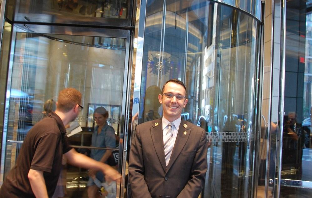 Xavier Guidis, concierge à l'hôtel Trump de Toronto.