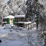Camping d'hiver au parc Windy Lake.