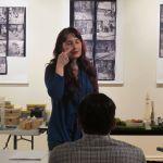Karine Barras durant l'atelier parfum
