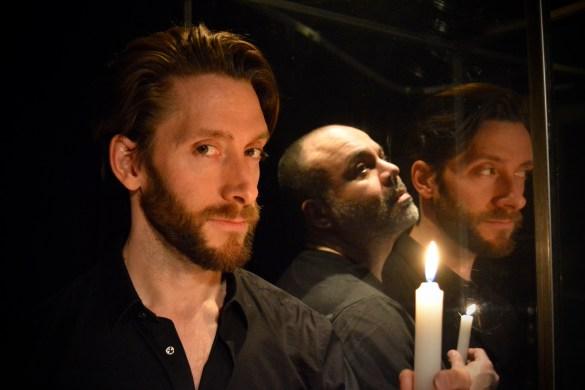 Dom Juan, interprété par Pierre Simpson, et Sganarelle: Marcelo Arroyo. (Photo: Manuel Verreydt)