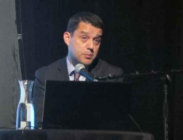 Miloud Chennoufi au théâtre de l'Alliance française.