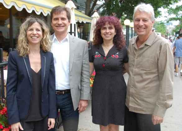 Séverine Biderman (Unis TV), Richard Kempler (président de la Franco-Fête de Toronto), la metteure en scène Isabelle Longnus, le producteur de télévision Jean Côté (Espace Franco Images).