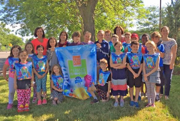 Des participants de l'école Saint-Antoine de Niagara Falls au Grand Défi Pierre Lavoie.