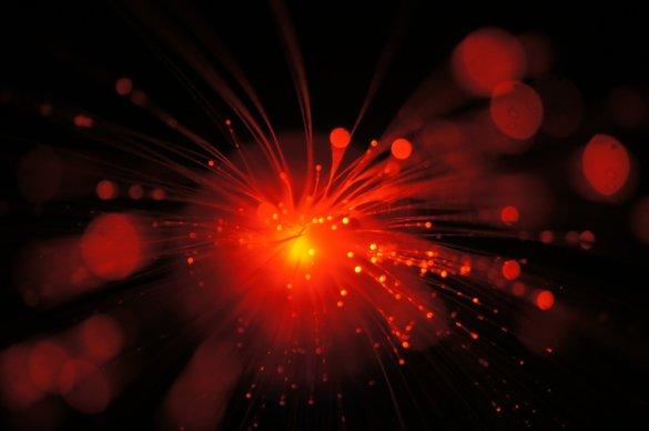 Cristaux utilisés pour emmagasiner les photons: les scientifiques s'en servent lors de leurs expérimentations. (Photo: Jet Propulsion Laboratory (CIT) Nasa : Félix Bussières/Université de Genève - https://go.nasa.gov/2serPXo)