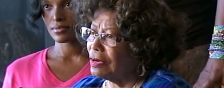 Katherine Jackson appears with family members after losing custody of Michael's kids (GMA)