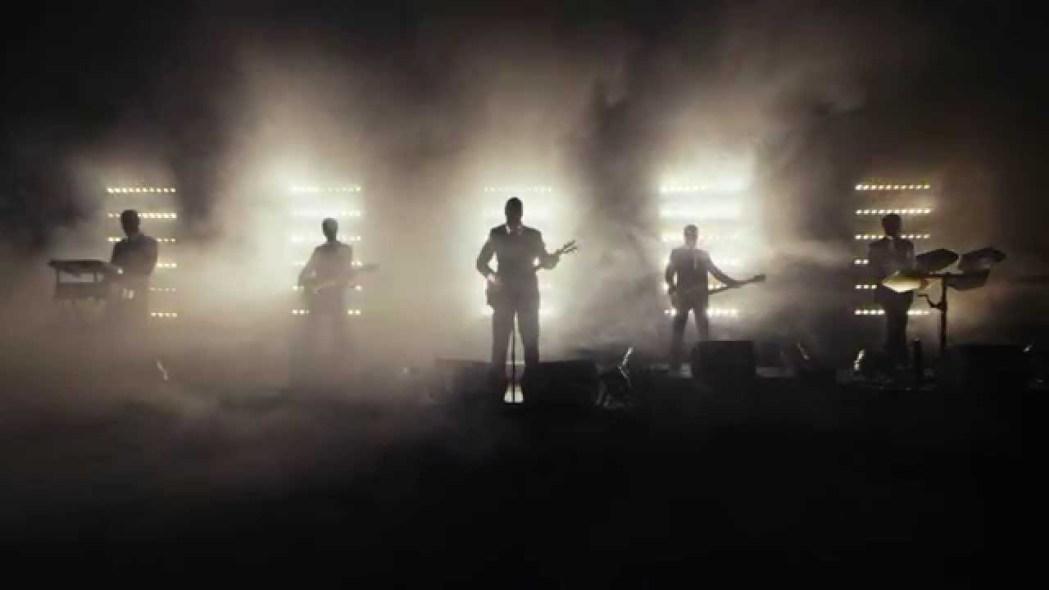 Band wird € 1.000.000 Euro bei Konzert ins Publikum blasen