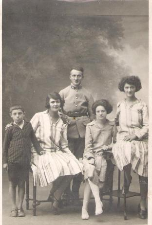 Reine, Juliette, Marcel, Jane, Paul Meyer 001