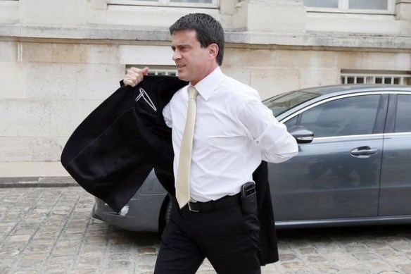 Valls se ramasse une veste?