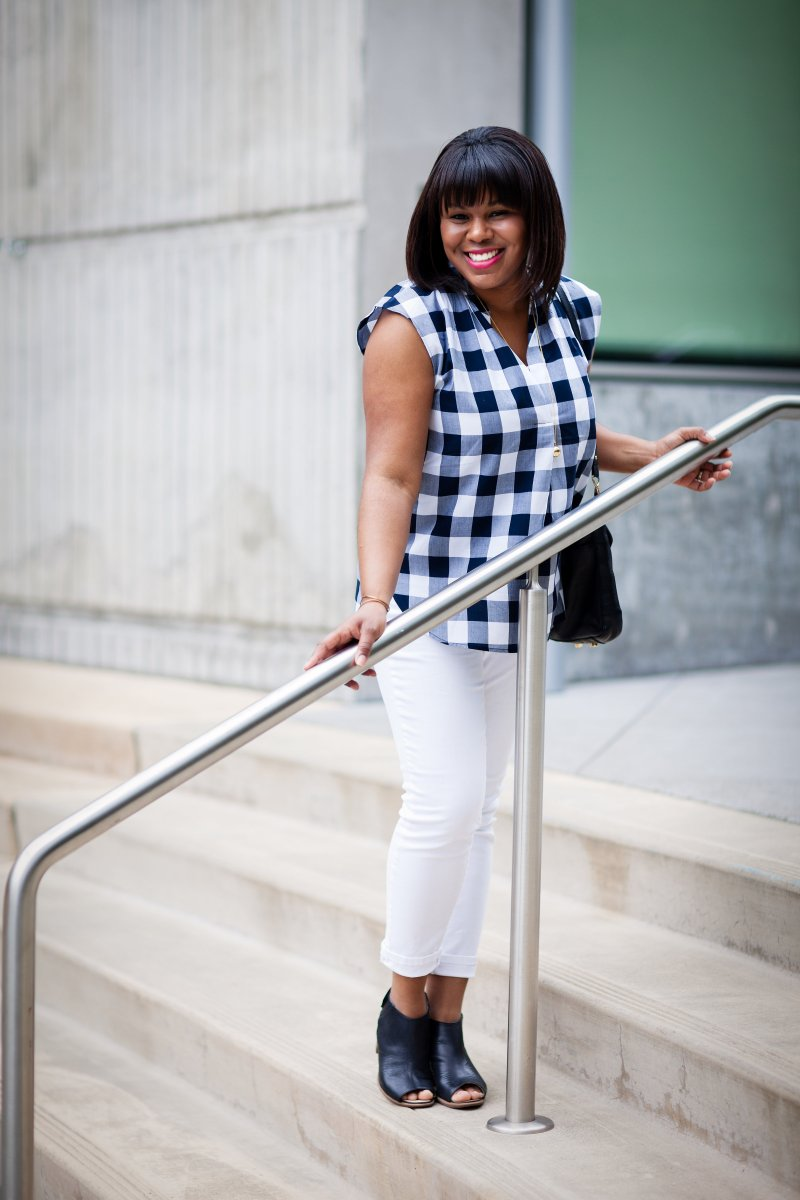 White denim is one of the best closet staples. It goes with everything and makes getting ready super easy. I wear mine at least once a week and love the versatility. Even better you can now get away with wearing them year round.