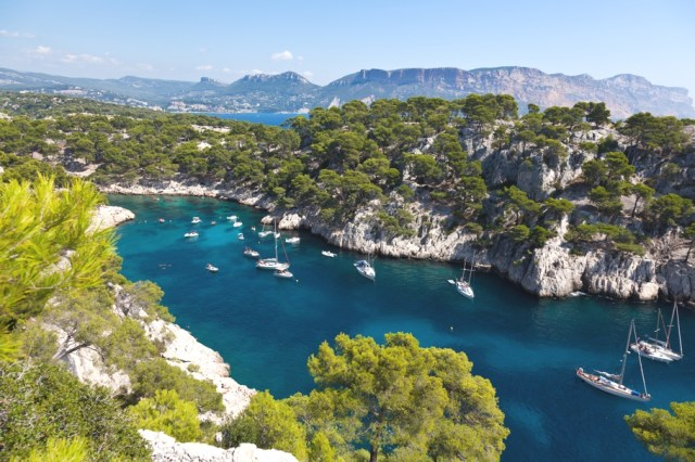Luxury-Hotel-Marseilles-France-01